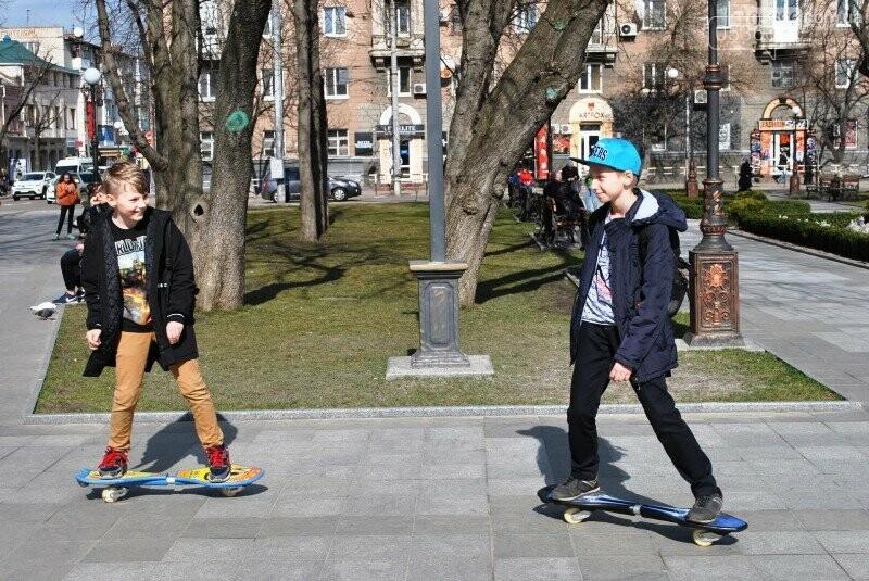 на скейте в парке