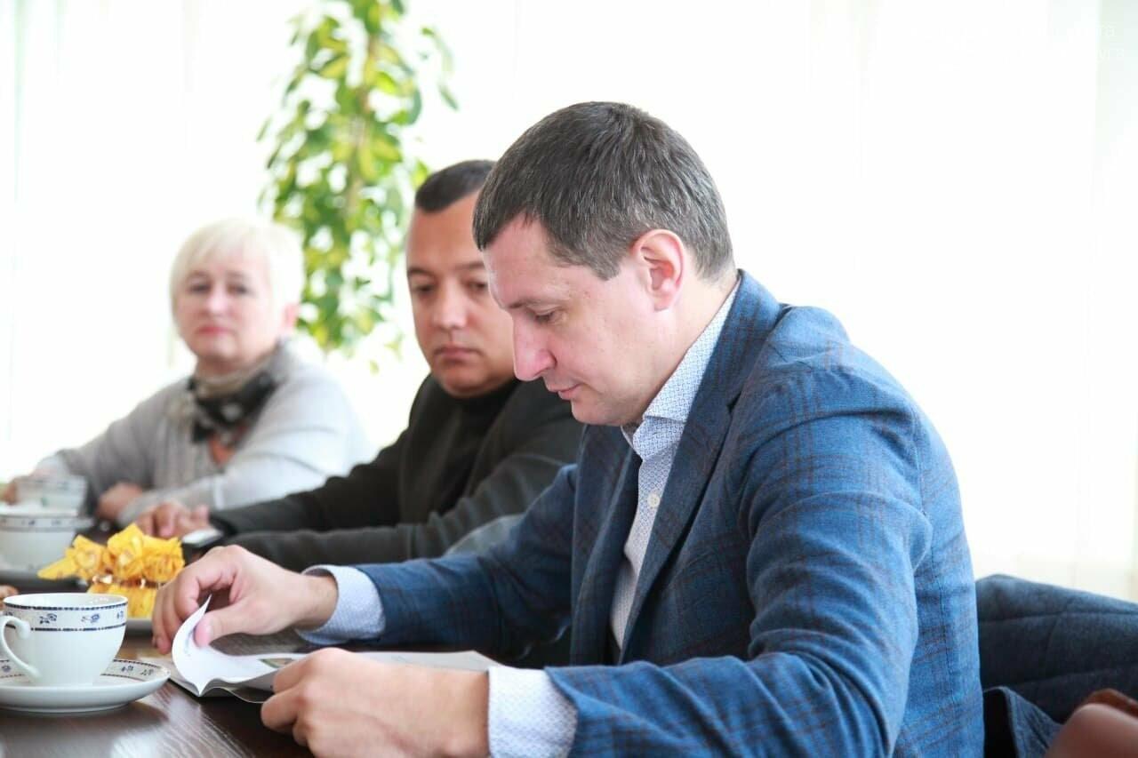 """""""Укроборонпром"""" став годівницею для 2-3 сімей"""", - народний депутат Роман Семенуха , фото-2"""