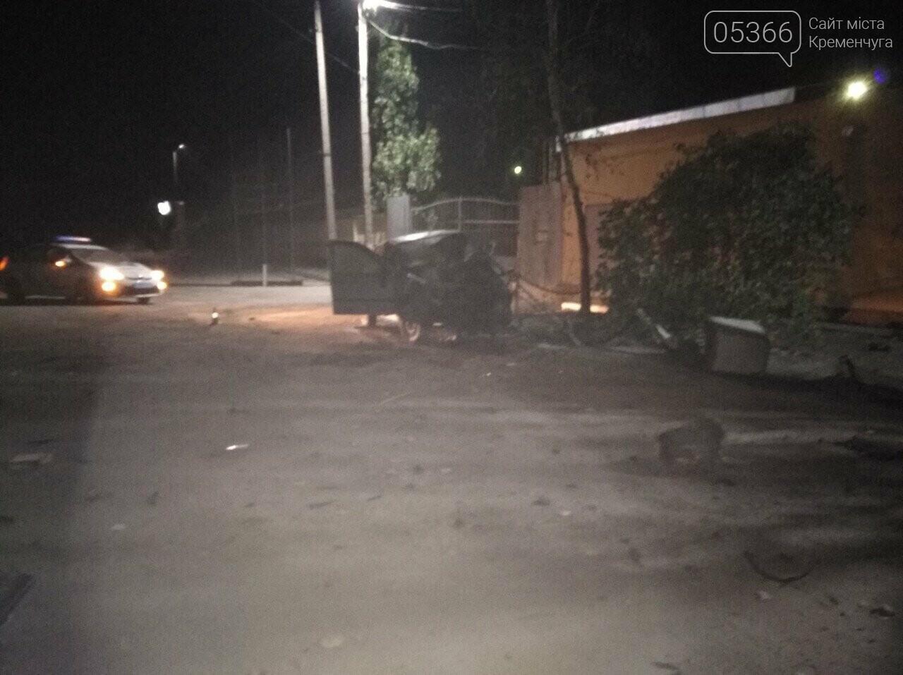 Втікав від патрульних й розбився: у Кременчуці сталася смертельна ДТП. Фото, фото-1