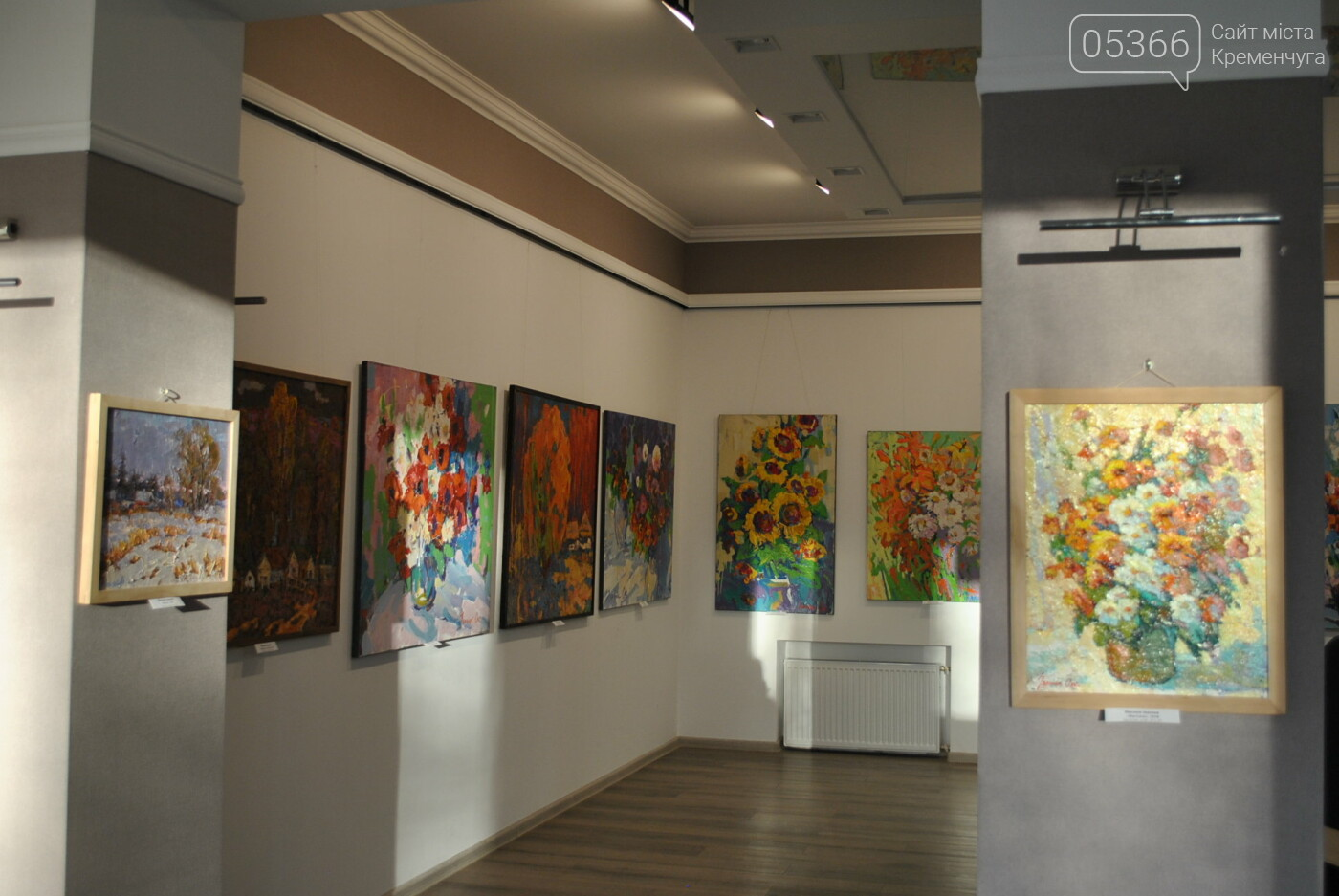 Кременчужан запрошують насолодитися соковими картинами талановитих митців з Полтавщини. Фото, фото-5