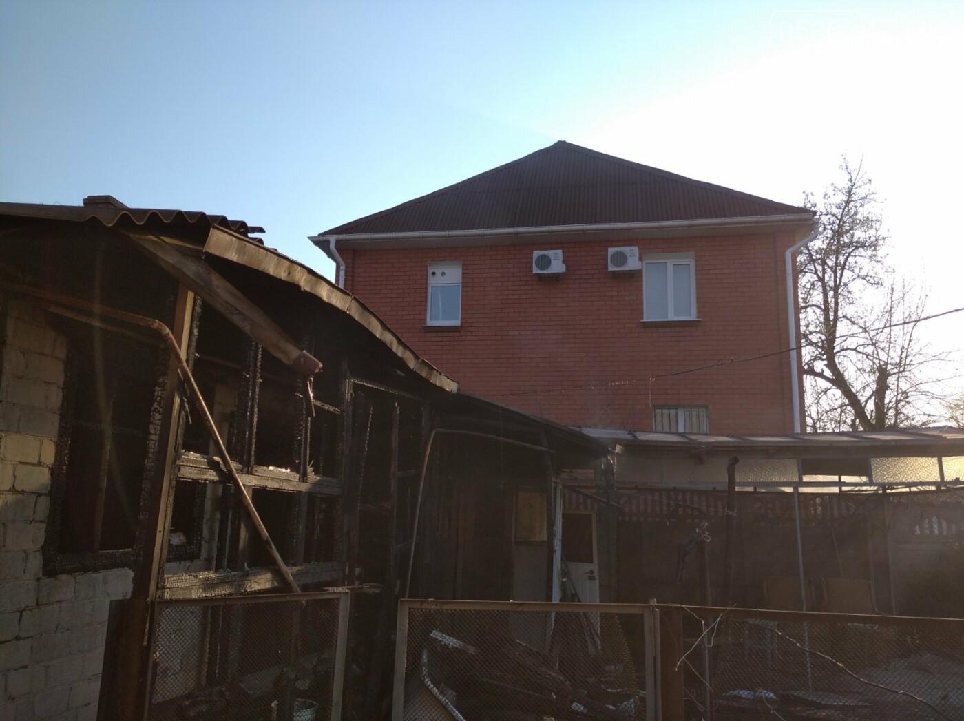У Кременчуці спалахнула пожежа у приватному будинку на Сумській. Фото , фото-2