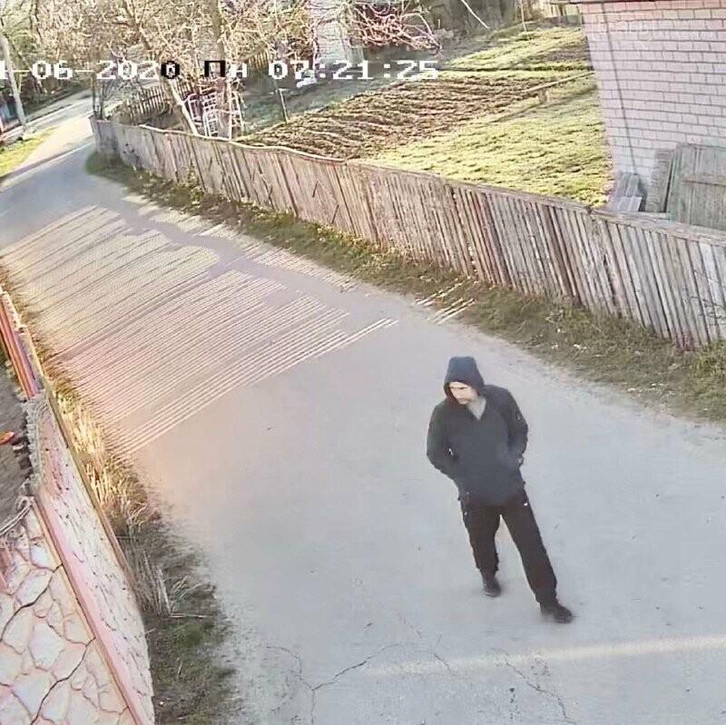 Поліція розшукує чоловіка, що ймовірно обкрадав дачі у Кривушах. Фото, фото-3
