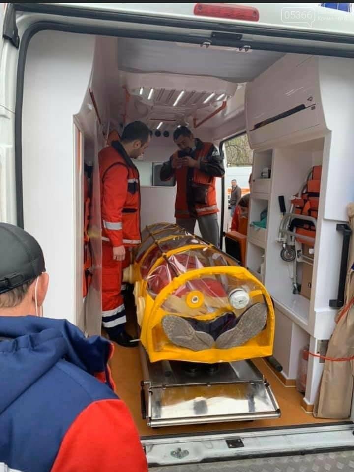 Кременчужани виготовили капсулу для транспортування хворих на COVID-19. Фото. Відео, фото-4