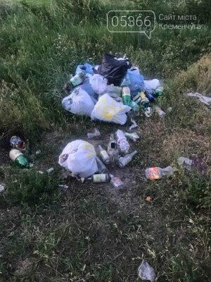 На артскладах купа сміття після відпочивальників: кременчужани скаржаться на бруд. Фото , фото-1