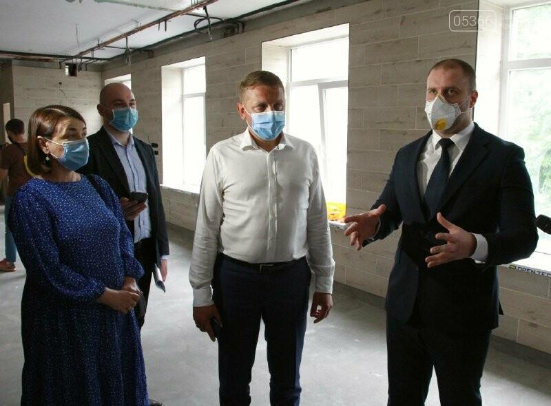 Губернатор назвав кременчуцьких медиків героями. Результати візиту Синєгубова до Кременчука та району, фото-2