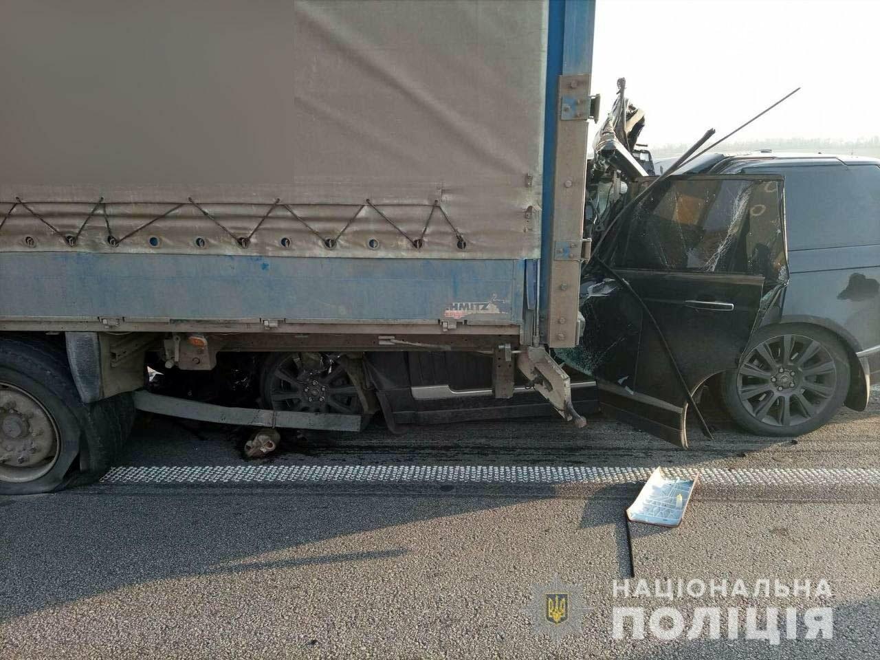 На Полтавщині сталася ДТП: іномарка врізалася у вантажівку. Фото, фото-1