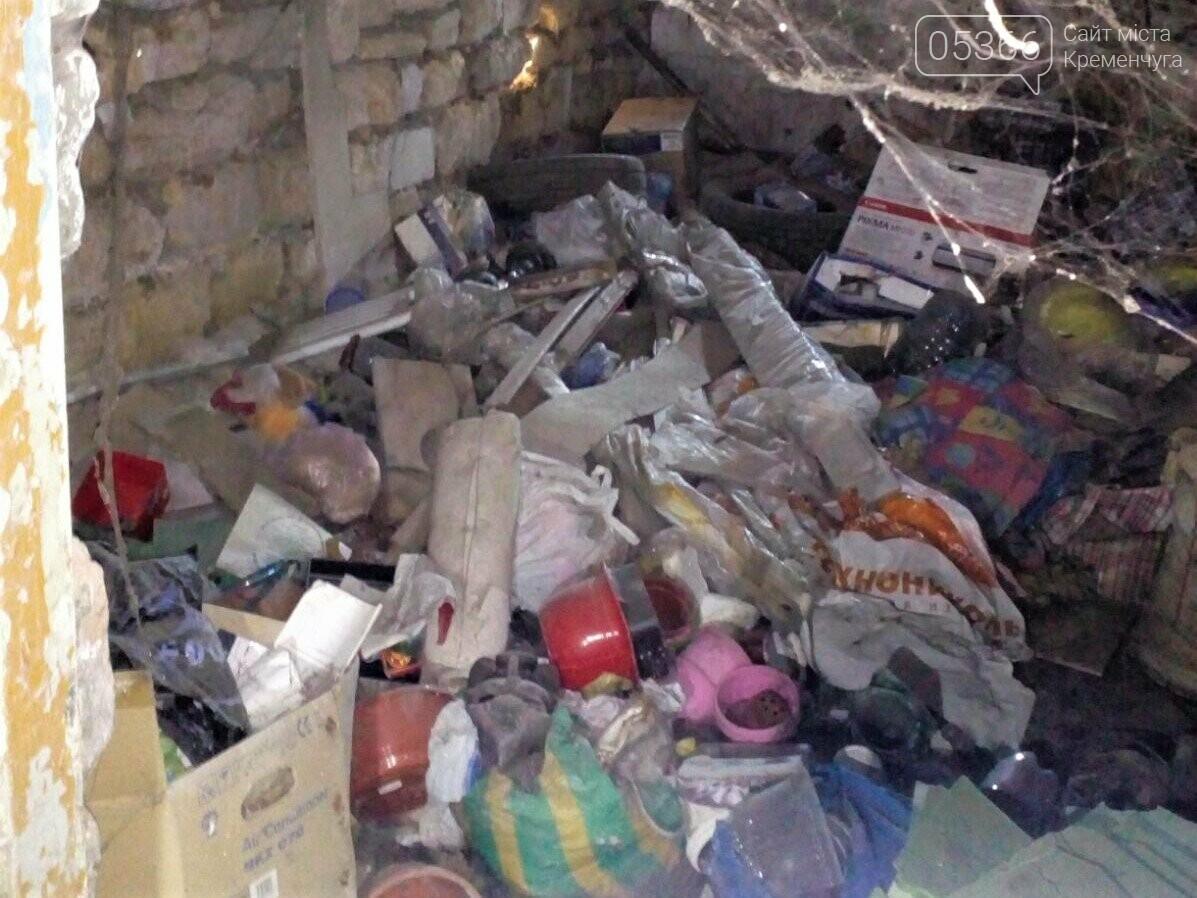 Меблі, будівельне сміття, одяг: чому не можна зберігати це у підвалах і на горищах, фото-3