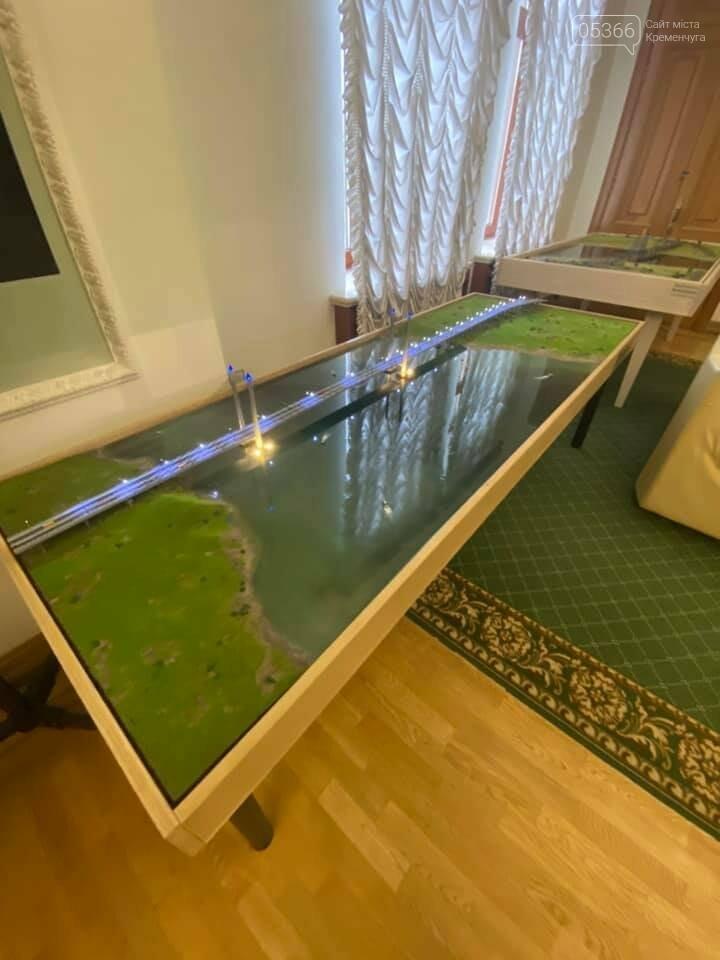 Нардеп відкрив таємницю Офісу Президента: там тримають новий кременчуцький міст, фото-1