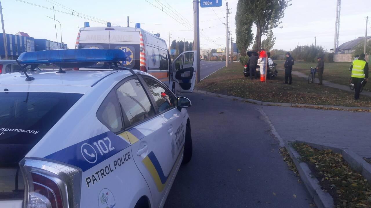 В Кременчуге водитель съехал с дороги и врезался в дерево (ФОТО), фото-5