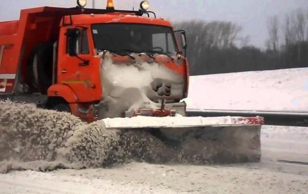 У Кременчуці сніг прибиратимуть 32 машини КАТП-1628, фото-1