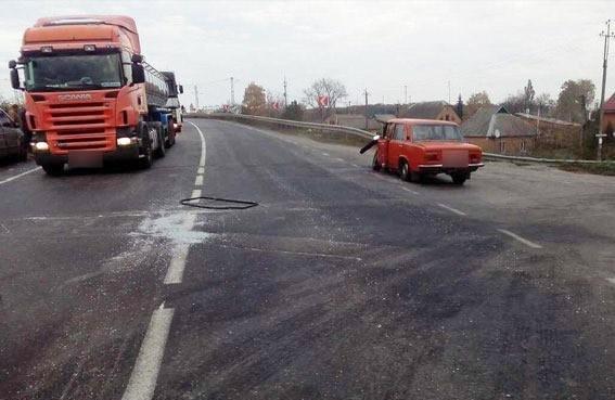 Після аварії у Полтавському районі чоловіка заблокувало у салоні легковика, фото-1