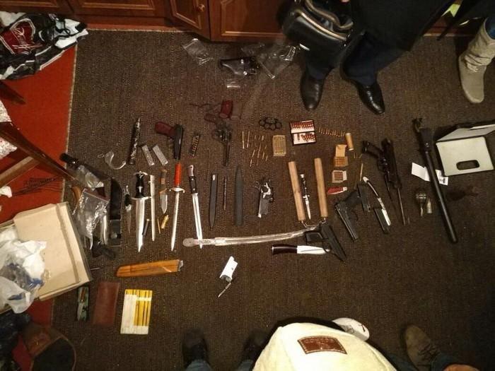 На Полтавщині поліцейські збували зброю (фото), фото-1