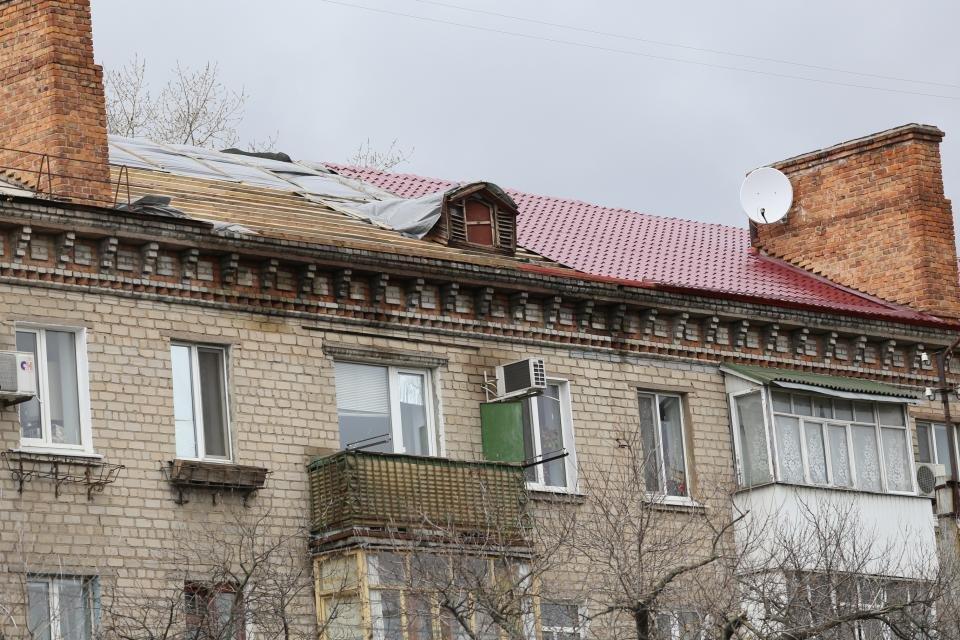 В Кременчуге жилой дом в такое ненастье остался без кровли (ФОТО), фото-2