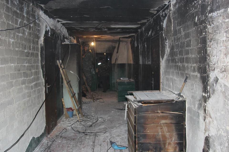 Пострадавший от пожара подъезд будет отремонтирован за бюджетные средства (фото и видео), фото-1