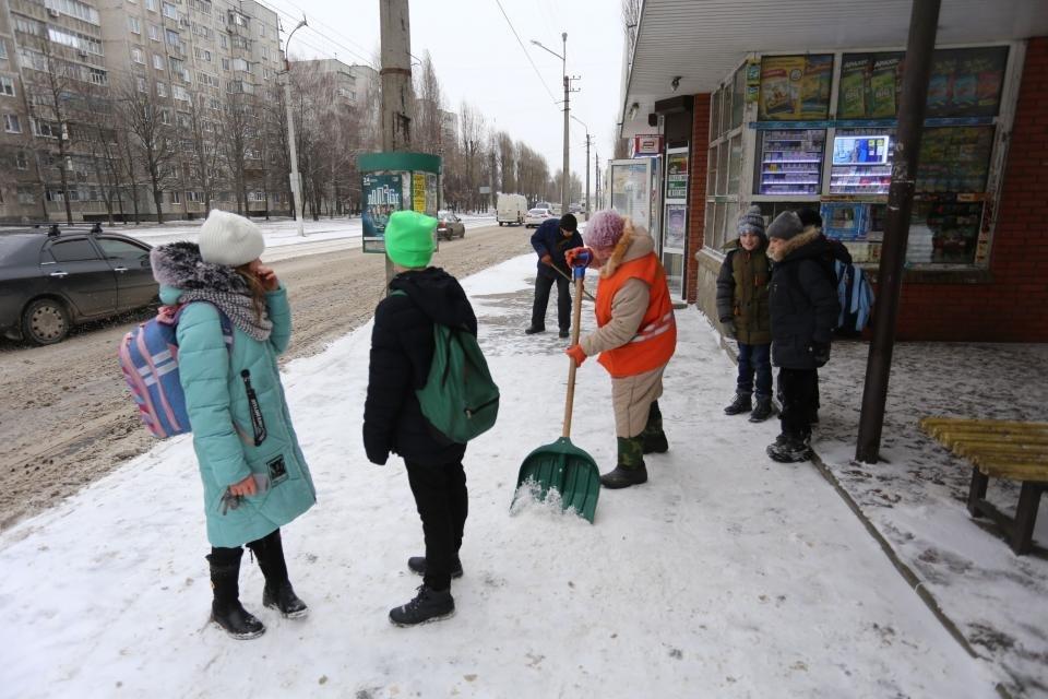 Військові допомагатимуть розчищати Кременчук від снігу, фото-1