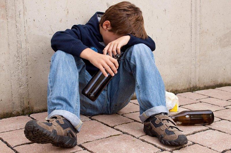 пьяный подросток
