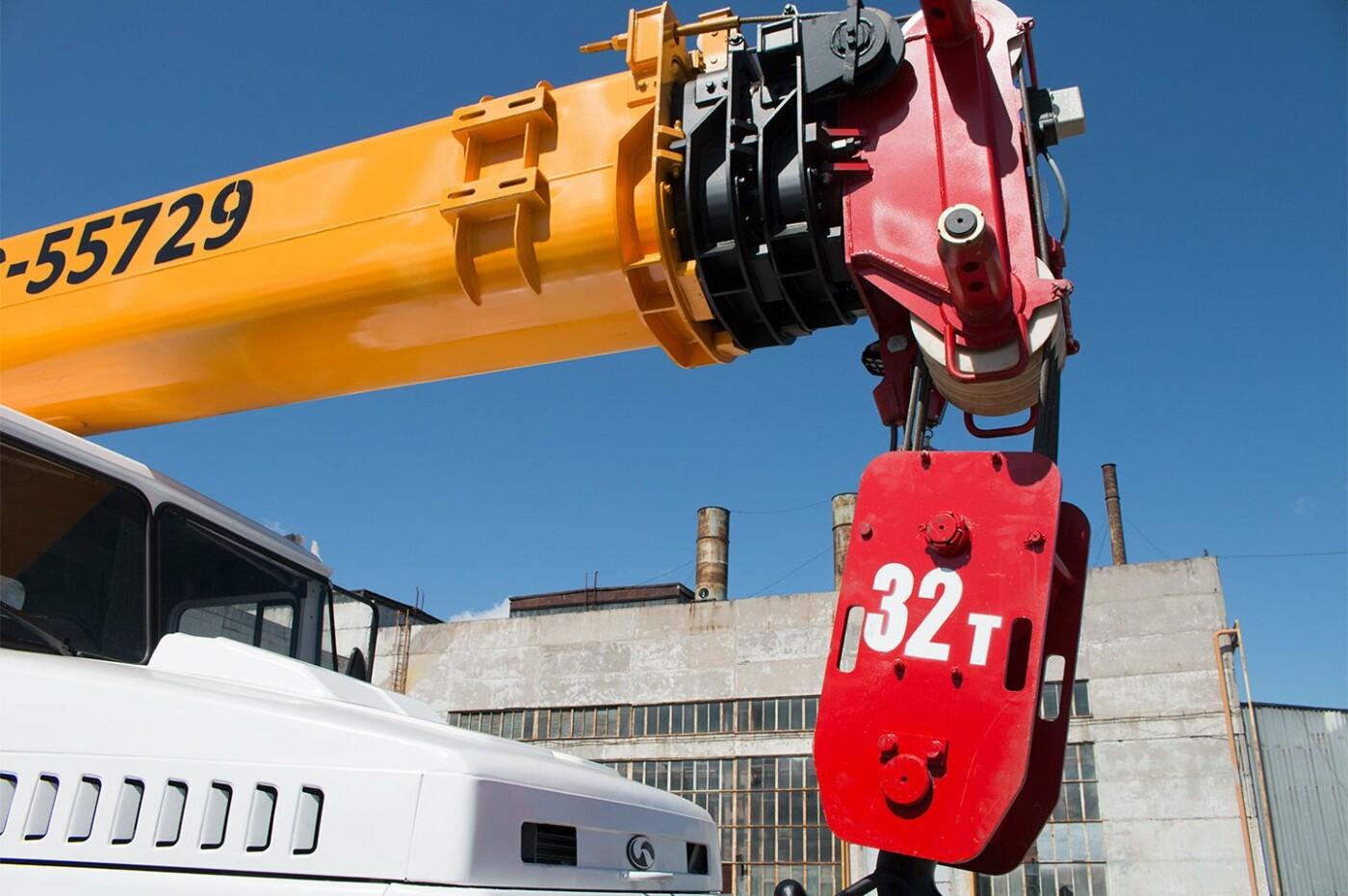 32-тонний автокран