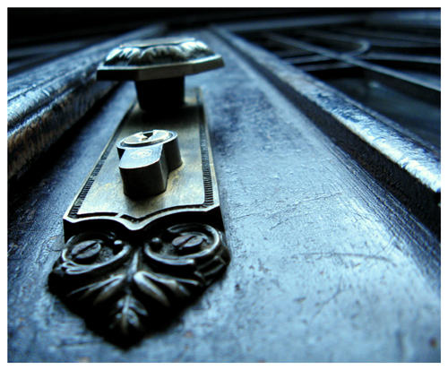 запертая дверь