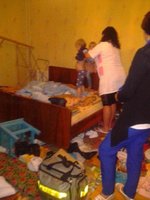 дети одни в квартире