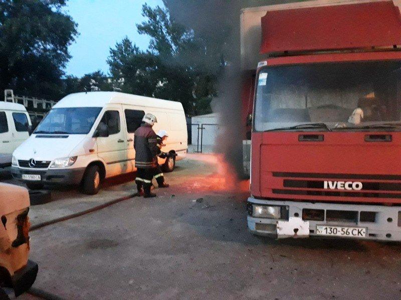 пожар на автостоянке