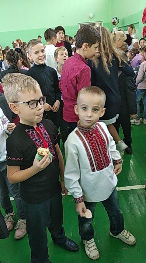 Ярмарок у КНВК №5