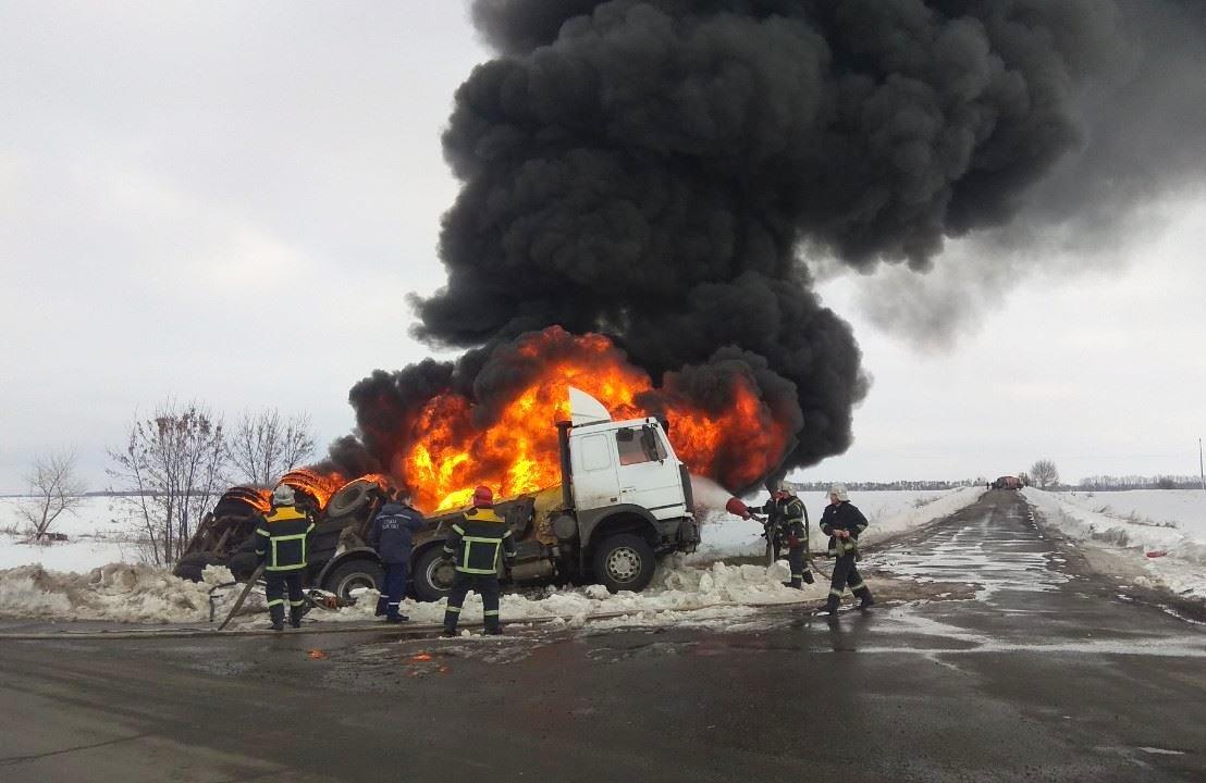 пожар на дороге