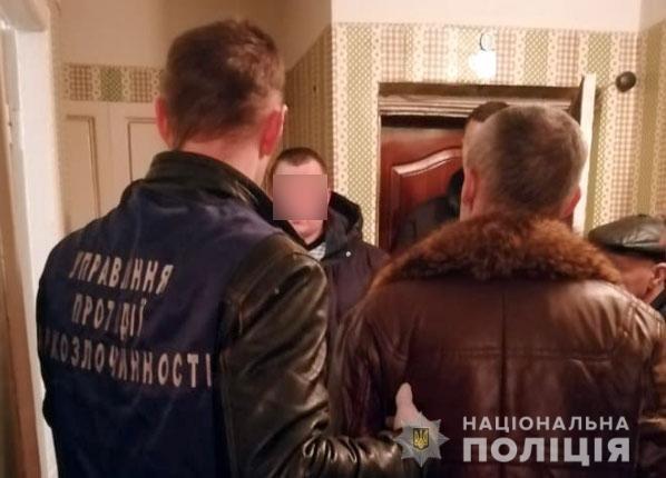 На Полтавщині затримали чоловіка, що виготовляв та реалізовував опій, фото-1
