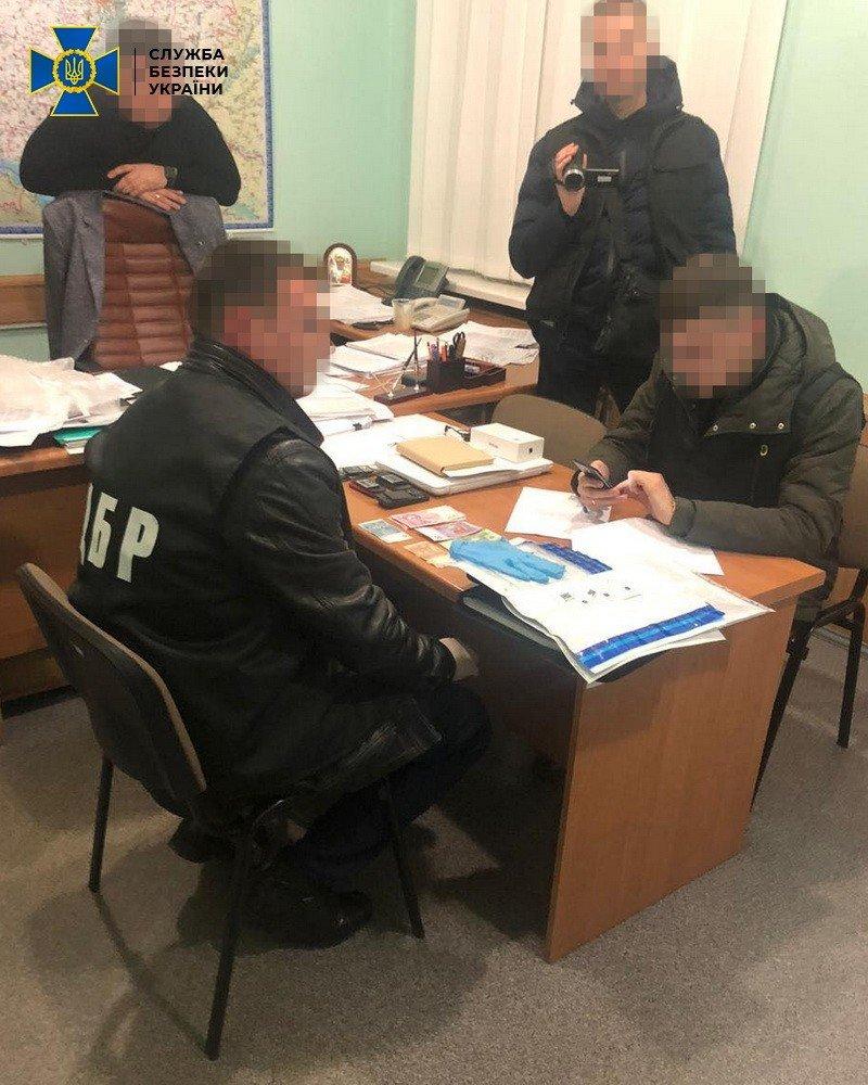 На Полтавщині СБУ затримало службовця податкової під час отримання 85 тисяч доларів, фото-2